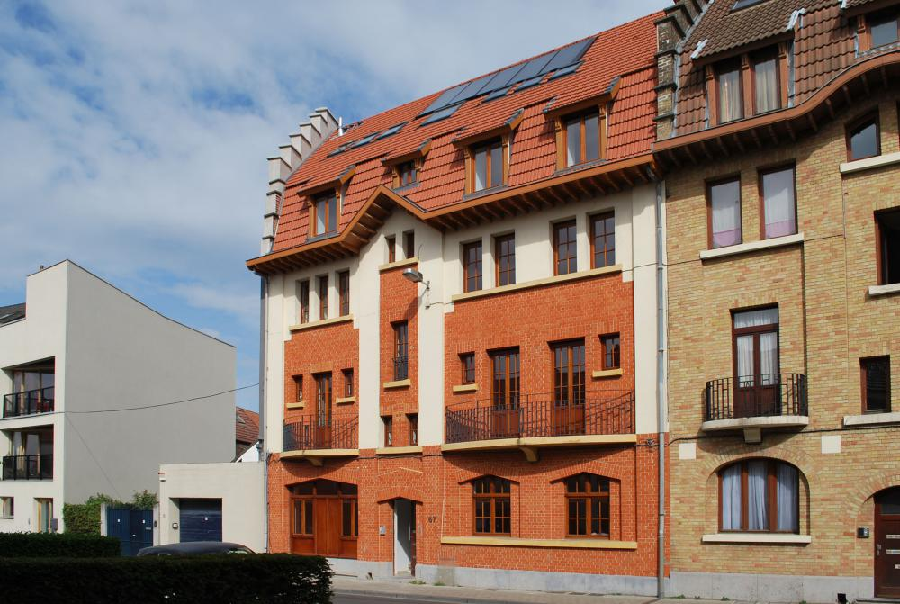 photographie de la façade à rue des logements Wauters