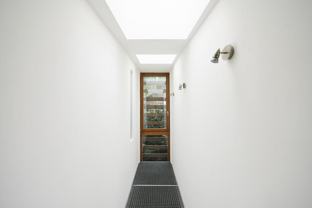 photographie intérieure du patio de la maison Raymond Hye