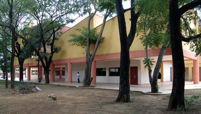 photographie de l'école nationale de tourisme