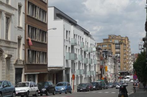 photographie de la façade à rue des logements Vleurgat
